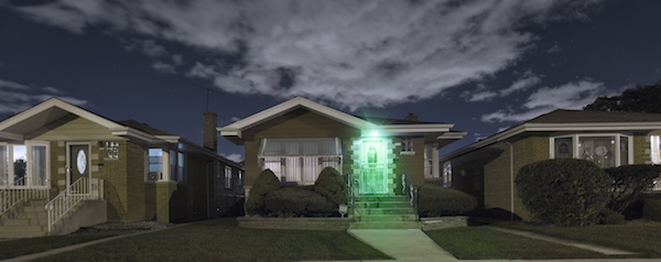 Green porch light shining for Greenlight a Vet